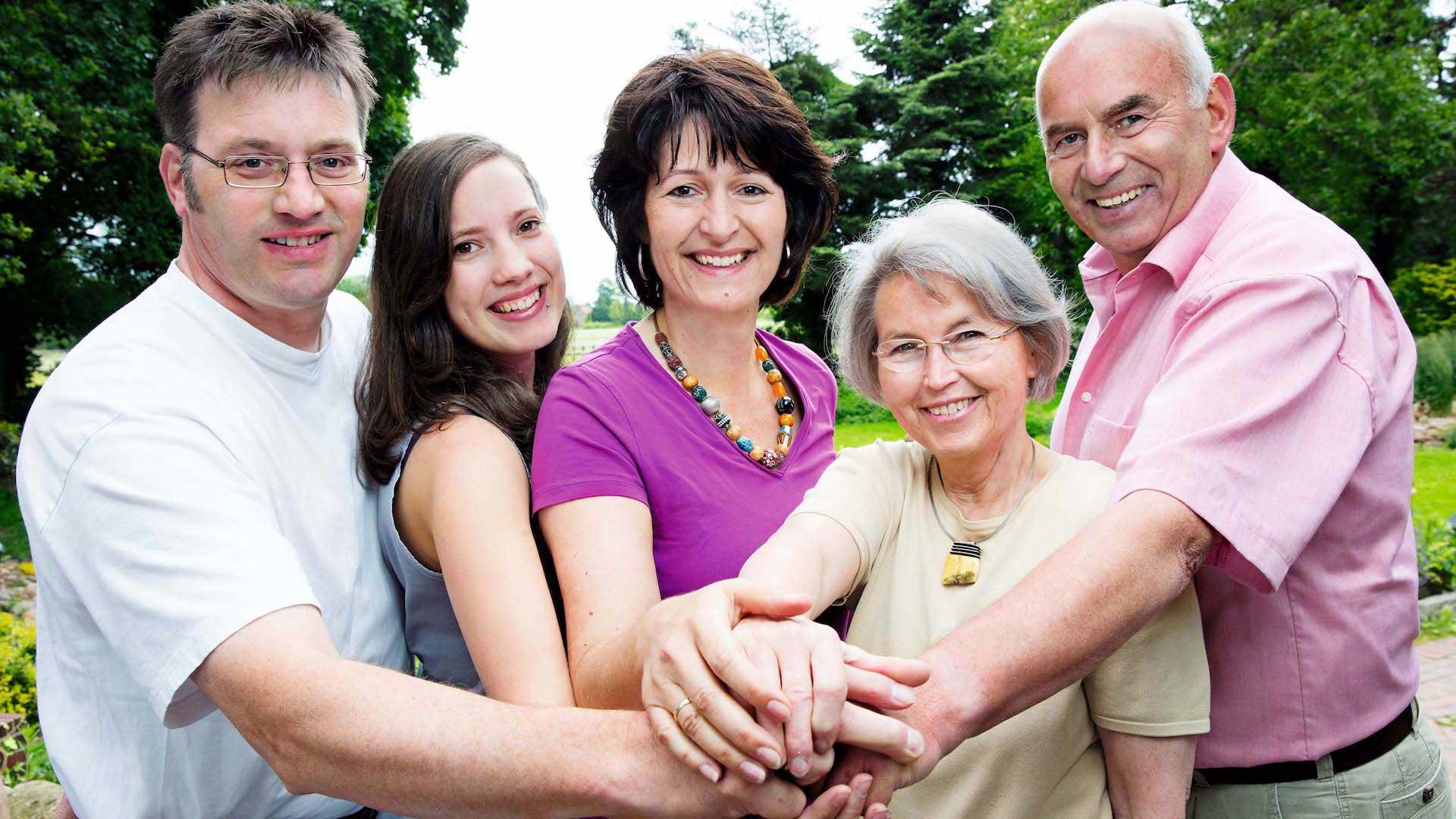 Familie Grotelüschen beim Grillen